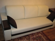Комплект мебели 2-х и 3-х местные диваны из кожзама, белые.