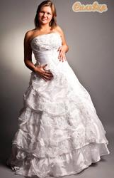 полным фигурам вечерние и свадебные платья.сценические наряды прокат