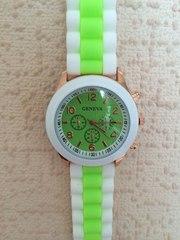 Женские часы Geneva.Часы с силиконовым ремешком.