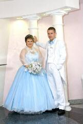 свадебное платье пышечке, жениху фрак, костюм