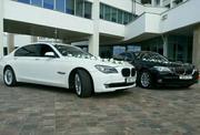 BMW 7 F01/ F02 в Минске. Свадебный кортеж. Черная и белая