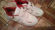 Продам новые кроссовки по стельке 21, 5 см