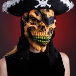 парики и маски ,   сценические костюмы.пираты супермен бэтмен цыганка