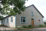 Здание,  бывший профилакторий в д. Воронь на берегу озера Воронь. Логой