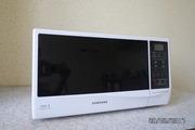 Продаю микроволновую печь Samsung me732kr