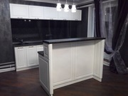 Кухня прямая с барной стойкой.Только мы подарим Вам купон на скидку бытовой техники в Домотехника
