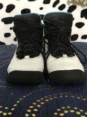 Продам кроссовки для баскетбола 36 рр стелька 23 см