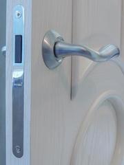 Качественно установим порталы и межкомнатные двери,  любой сложности