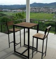 Стол  и 2 стула барный