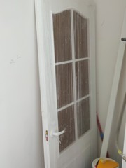 Двери кухонная и входная из новостройки