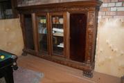 Кабинет,  стол и книжный шкаф